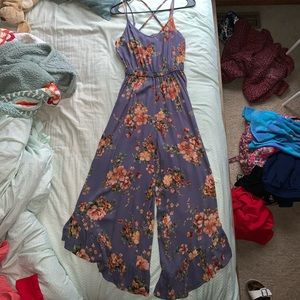 xs floral jumpsuit by american eagle, barely worn.